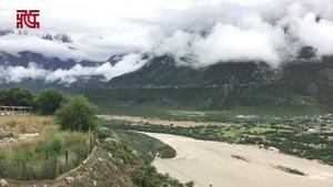 记者直击雅鲁藏布江畔,南迦巴瓦峰下