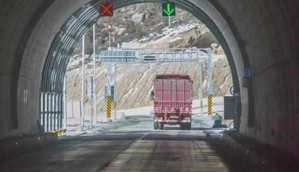 雀儿山隧道