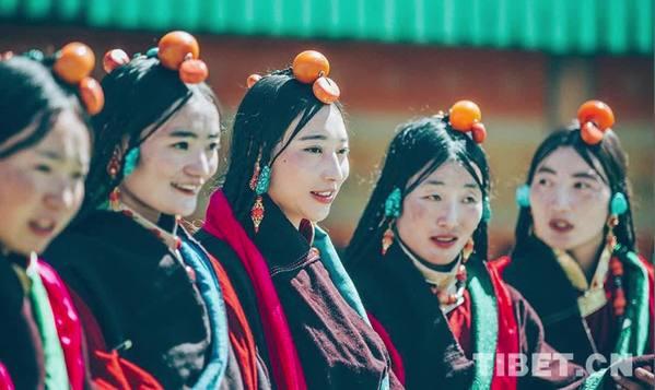听,见雪域•夜读丨藏族服饰的审美情趣