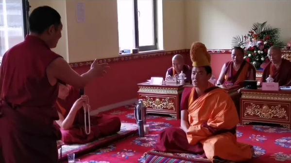 """藏传佛教""""拓然巴""""高级学衔辩经考试"""