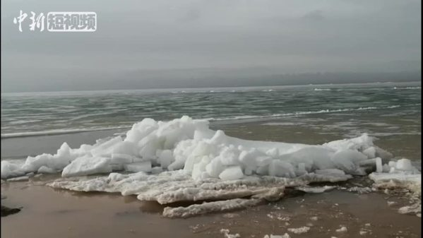 壮观!可可西里盐湖破冰开湖