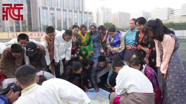 【砥砺奋进70年】北京西藏中学全体学生祝福祖国生日快乐