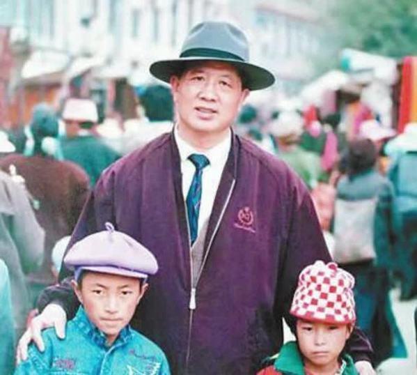 【倾听】孔繁森收养三个藏族孤儿