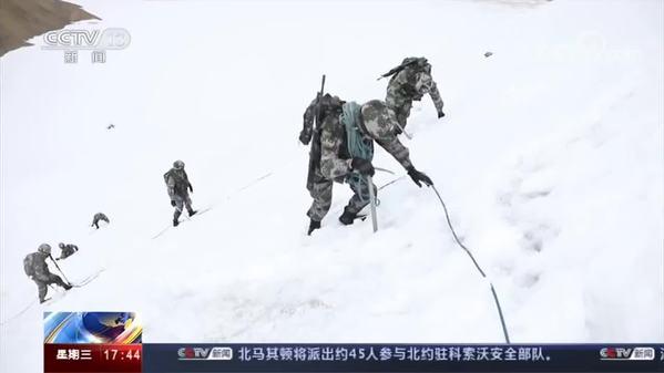 挺进海拔6000米 侦察分队极限训练