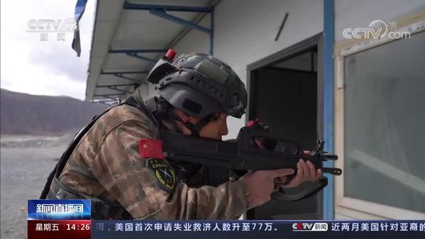 西藏:极限化训练 提升特战分队反恐实战能力
