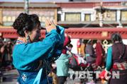 """""""Goddess Festival"""" – traditional festival for Tibetan women"""