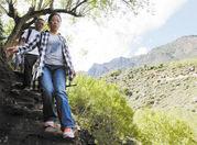 成都女教师裴丽娟一家三口一起赴丹巴援藏