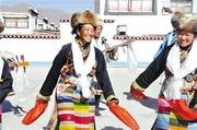 日喀则群众欢度藏历新年