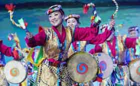 First online New Year's Gala features 2016 Tibetan grassroots singers