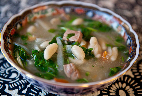 Tibetan tradition: eat Thukpa Bhathuk for the upcoming New Year