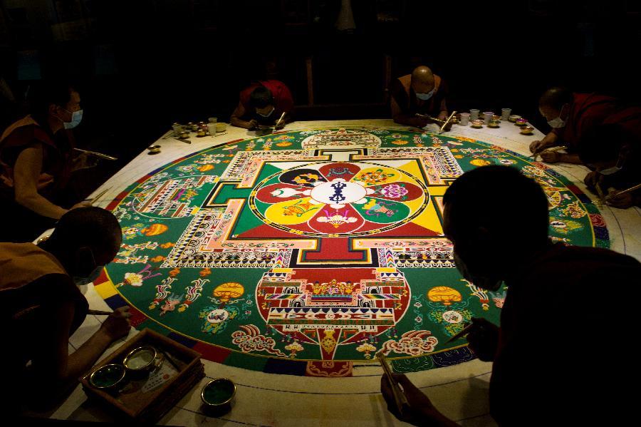 Geheimnisvolle Kunst der tibetischen Sandmandalas