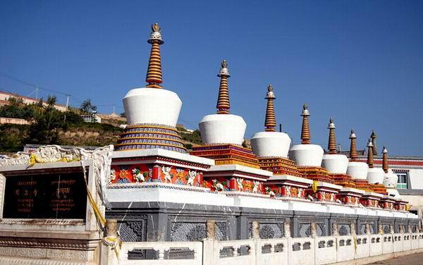 塔尔寺等著名寺院的转世灵童
