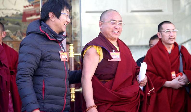 西藏政协十届四次会议闭幕 次旺多布杰当选政