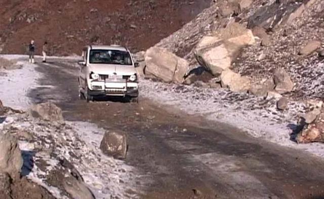 外媒:印军在达旺建大型着陆场 储备物资弹药