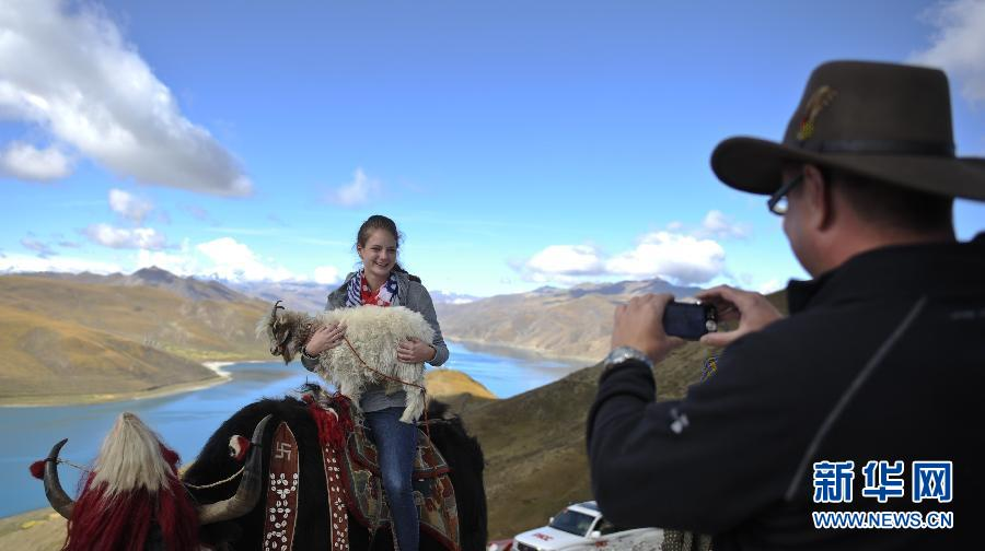 Tourist reception in Tibet reached new high during National Day Holiday