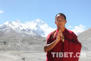 第十一世班禅圆满完成各项走访调研和佛事活动离藏返京