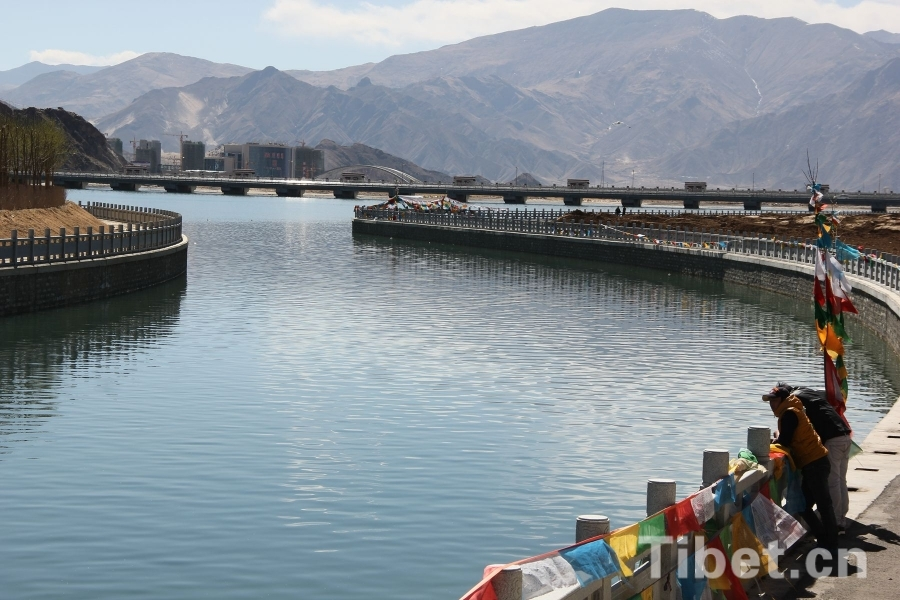 High tech helpers for water and soil conservation in Tibet