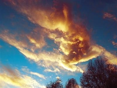 拉萨的天光 影