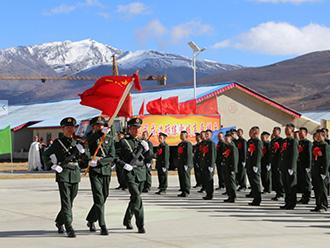西藏军区某团首批退伍老兵告别军营