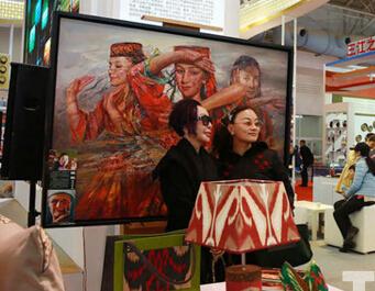 色彩萌动 北京文博会上的最炫民族风