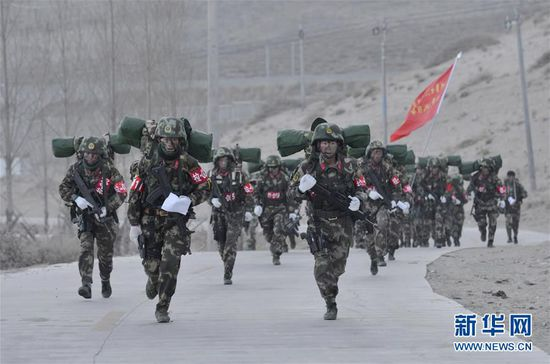 Chinese PAP in Tibet conducts challenging training