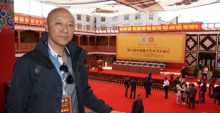 """二十年来往于西藏澳门间,只为实现""""珠峰连镜海""""的心愿"""