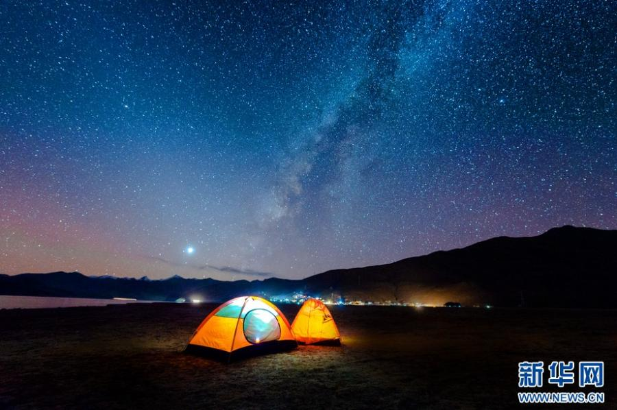 Yamdrok Lake – best spot for stargazing in Tibet