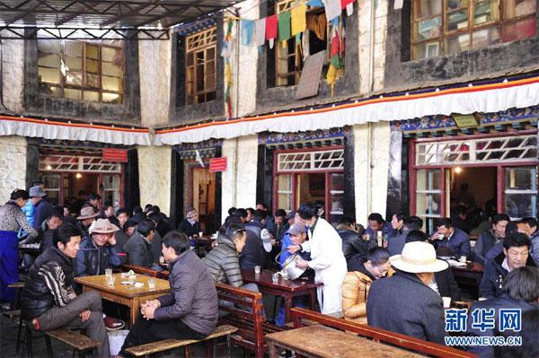 Das gelbe Teehaus von Dbyangscan Tsering