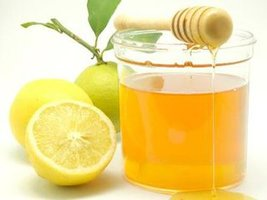 当柠檬与蜂蜜相遇 好处多多