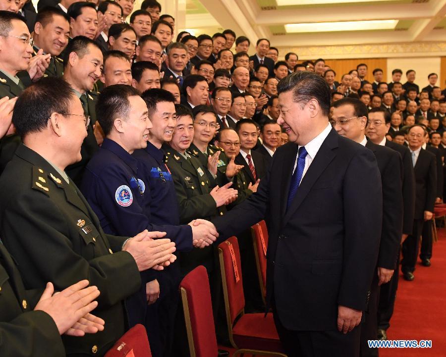 Xi meets Shenzhou-11 astronauts