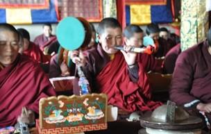 深山里的佛光——西藏最大尼姑寺见闻