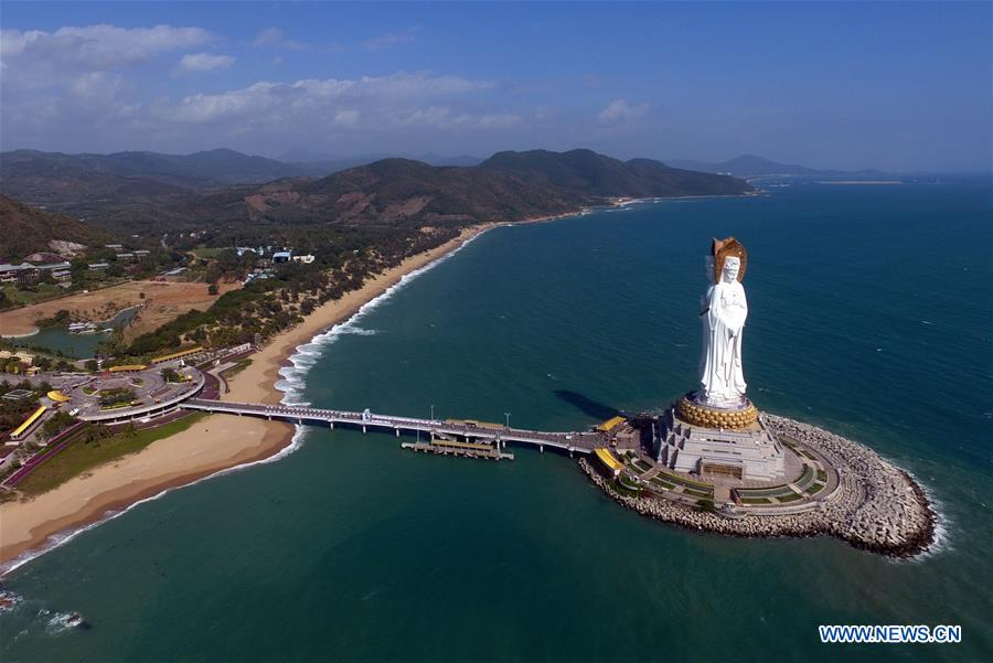 Buddhism statue in Hainan attracts thousands of visitors