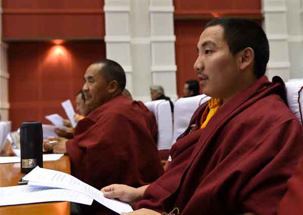 Across China: Tibet strives to expand medical service to all monasteries