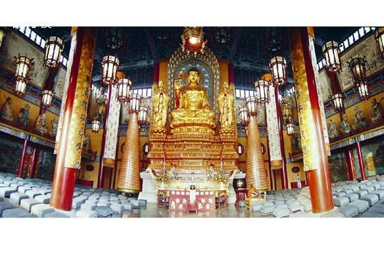 Das Thradrug-Kloster liegt im Regierungsbezirk Shannan im Autonomen Gebiet Tibet.