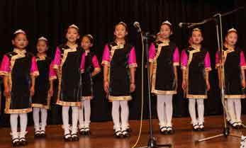 First ethnic Tibetan children's chorus in Sichuan debuts in Australia