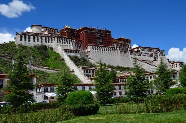 Overlooking Tibet