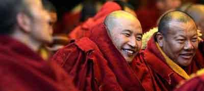 10 lamas win highest Buddhism degree in Tibet