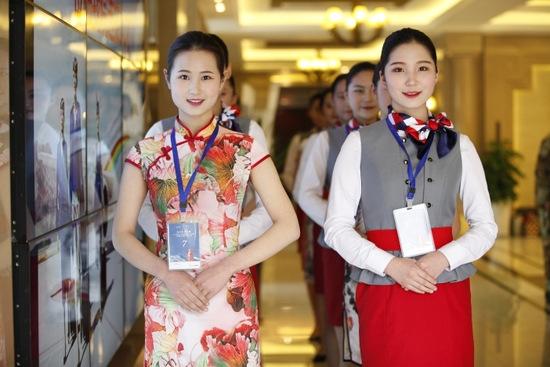 Tibet Airlines stellt hübsche Stewardessen ein 3