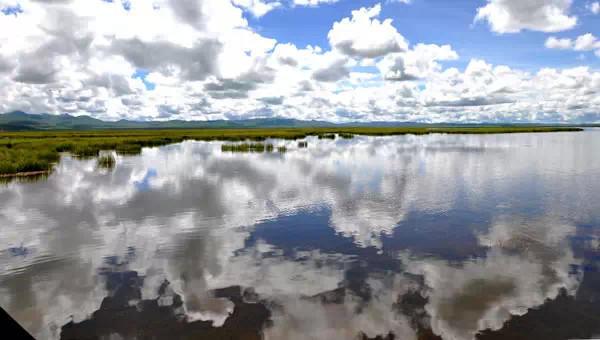 Photo shows the Zogye Lake.