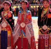 县境藏族传统服装:安多藏服