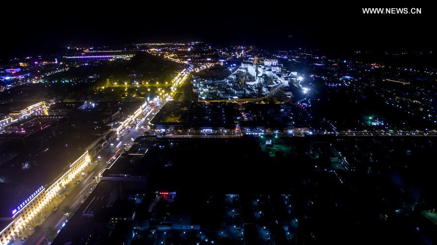 Photo taken on April 19, 2016 shows the night scene of the Potala Palace in Lhasa, capital of southwest China's Tibet Autonomous Region.