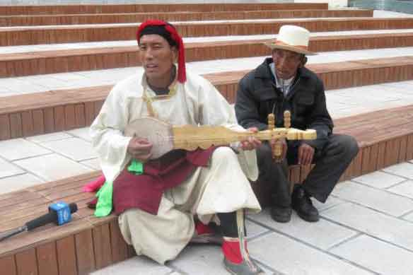 Mysterious three-stringed dance: A Tibetan folk art