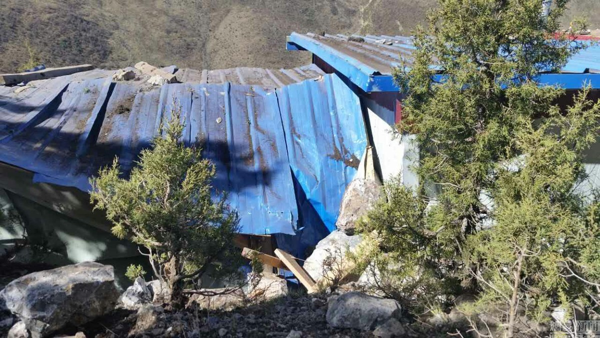 Earthauqke hits eastern Tibet
