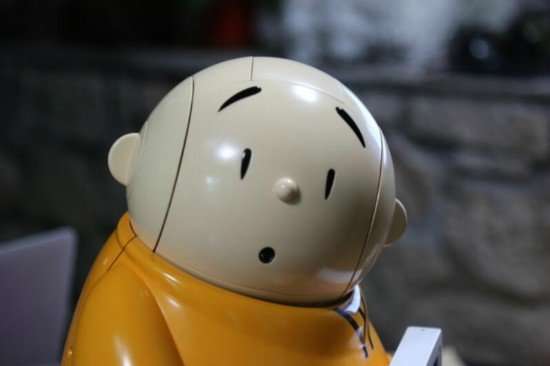 Robot monk spreads Buddhist teachings