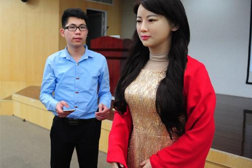 China erfindet quengelnden Schönheitsroboter 1