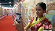 青海百米巨幅唐卡《和缘》亮相杭州
