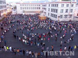 """西藏:步入全民健身的""""春天里"""""""