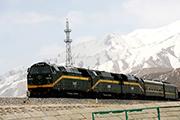 """青藏铁路使雪域高原步入速猛发展的""""快车道"""""""