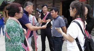 海外华媒云贵行:体验藏区风情 传播好中国声音