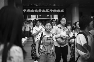 """北京今年中考已全部结束 英语作文首次""""二选一"""""""